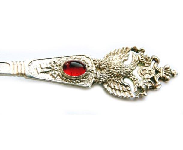Ложка с красным камнем и фигуркойдвуглавогоорла, серебряная